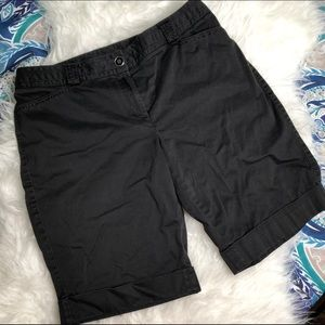 WHBM Sz 10 Black Slim Bermuda Walking Shorts